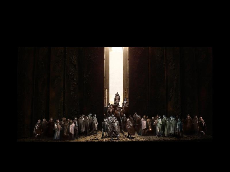 MACBETH<br> Atto IV scena 1: Malcolm, il figlio del re assassinato, e Macduff hanno radunato un esercito per attaccare il castello.