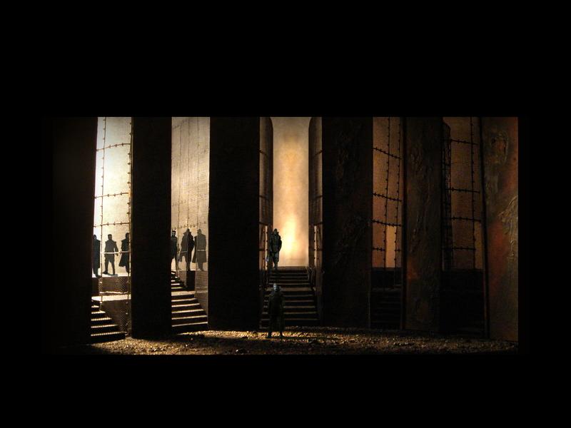 MACBETH<br>  Atto IV scena 3: L'esercito di Malcolm e Macduff avanza verso il castello.